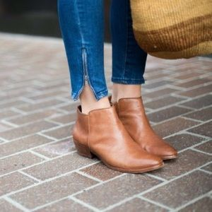 Sam Edelman Petty Cognac Ankle Booties Size 7